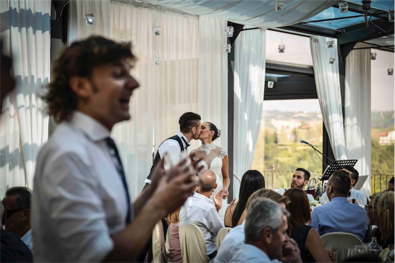 Paolo Mantovan Fotografo Matrimonio Orbassano Liguria Montagna Mare Piemonte Torino Cinque Sposi Terre-109 Sala Bacio Sposi