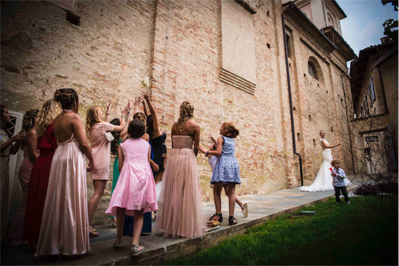 Paolo Mantovan Fotografo Matrimonio Orbassano Liguria Montagna Mare Piemonte Torino Cinque Sposi Terre-119 Lancio Bouquet