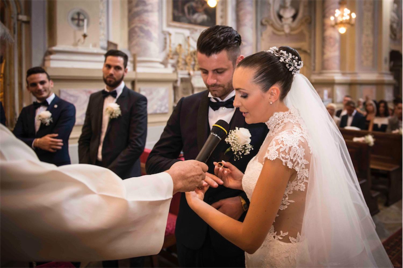 Paolo Mantovan Fotografo Matrimonio Orbassano Liguria Montagna Mare Piemonte Torino Cinque Sposi Terre-58 Cerimonia Chiesa Anelli