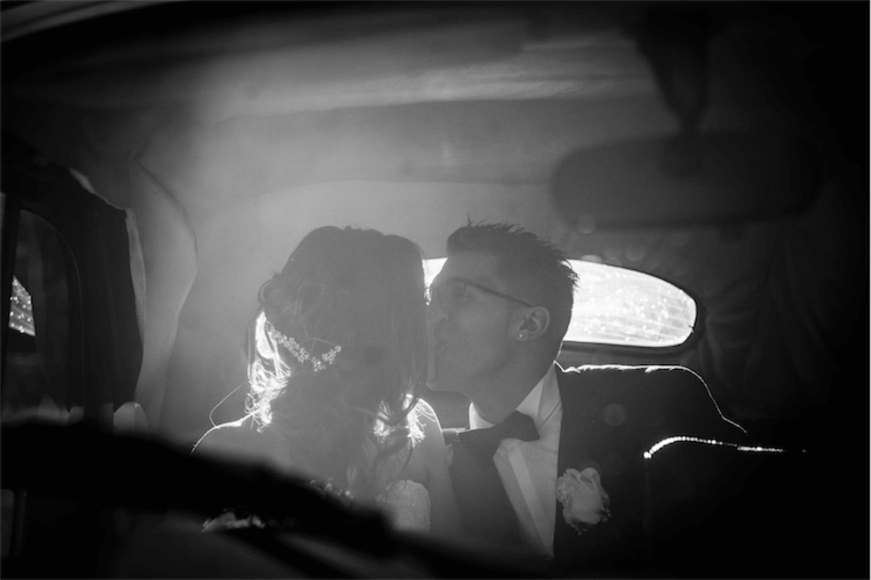 Paolo Mantovan Fotografo Matrimonio Orbassano Liguria Montagna Mare Piemonte Torino Cinque Sposi Terre Giula e Marco-121 Dettaglio Bacio Sposi Wedding
