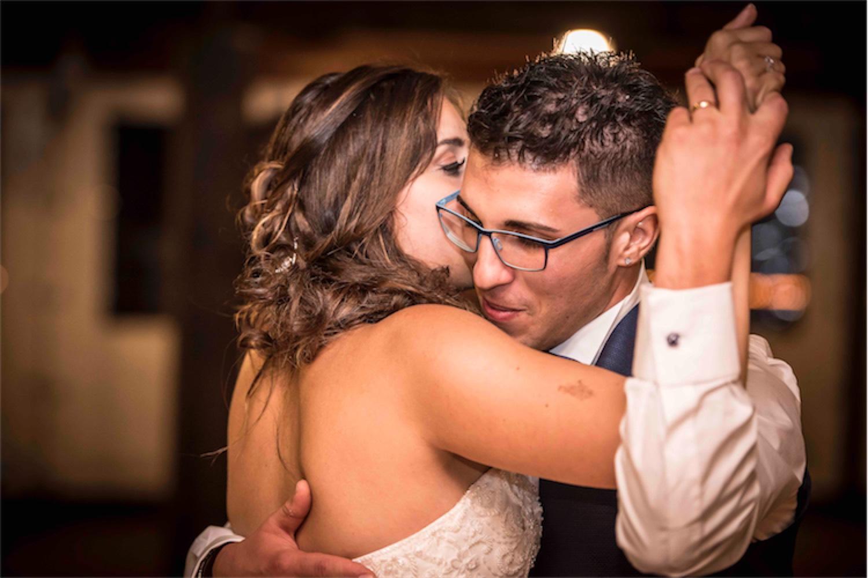 Paolo Mantovan Fotografo Matrimonio Orbassano Liguria Montagna Mare Piemonte Torino Cinque Sposi Terre Giula e Marco-143 Ballo Dettaglio Sposi Wedding