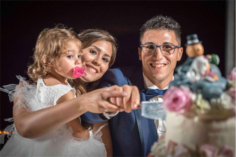 Paolo Mantovan Fotografo Matrimonio Orbassano Liguria Montagna Mare Piemonte Torino Cinque Sposi Terre Giula e Marco-147 Taglio Torta Famiglia