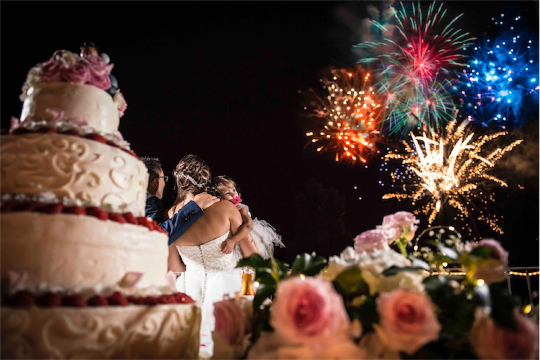 Paolo Mantovan Fotografo Matrimonio Orbassano Liguria Montagna Mare Piemonte Torino Cinque Sposi Terre Giula e Marco-149 Fuochi D'Artificio Festa Sposi Wedding Torta Dettaglio