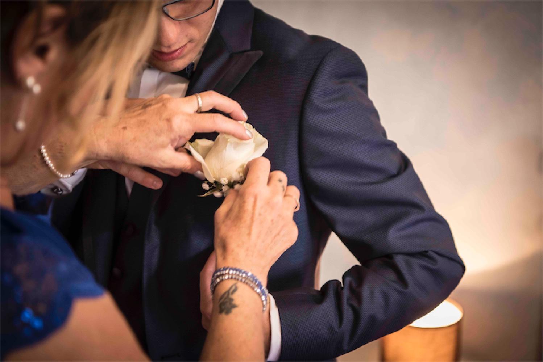 Paolo Mantovan Fotografo Matrimonio Orbassano Liguria Montagna Mare Piemonte Torino Cinque Sposi Terre Giula e Marco-41 Dettaglio Rosa Boutonnière