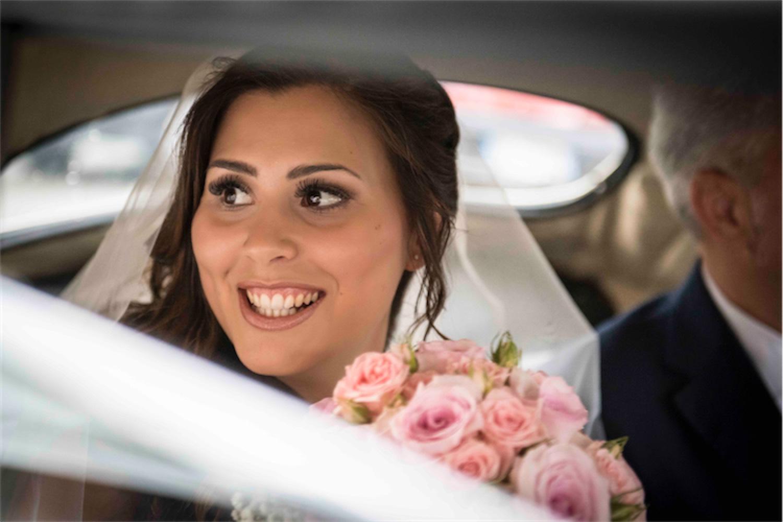 Paolo Mantovan Fotografo Matrimonio Orbassano Liguria Montagna Mare Piemonte Torino Cinque Sposi Terre Giula e Marco-73 Sorriso Sposa Bouquet Rose