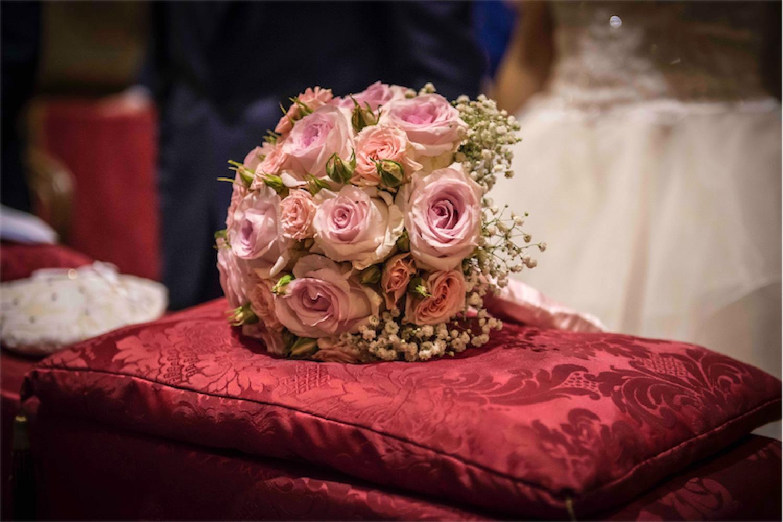 Paolo Mantovan Fotografo Matrimonio Orbassano Liguria Montagna Mare Piemonte Torino Cinque Sposi Terre Giula e Marco-78 Bouquet Dettaglio Rosso Rose